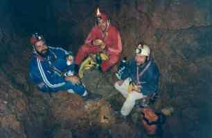 Manolo Luque, Rafael Minguillón y J.A. Encinas, exploración vía -230m