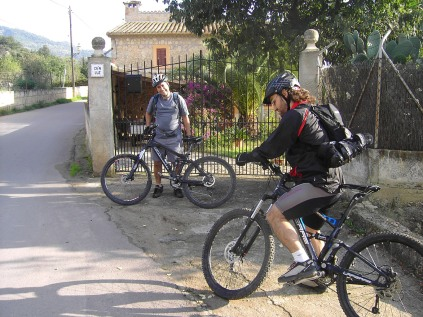 comprobando las bicicletas