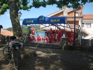 bar Ecu, sella y llaves albergue