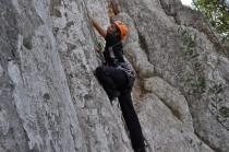 Carmen escalando