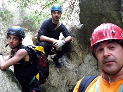 Antonio,Josemi y Rafa en un descanso