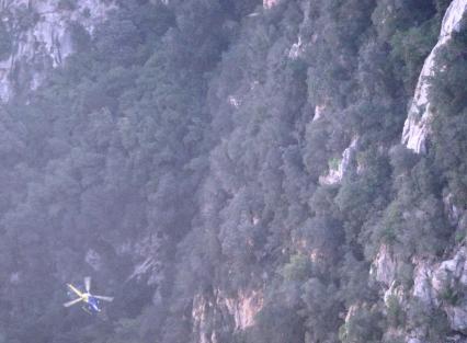 asistimos a un rescate desde lo alto, ahí el helicóptero