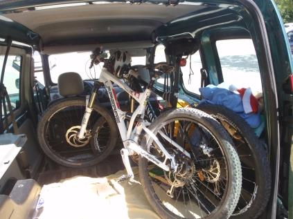 Reorganizando la furgoneta