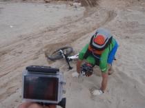 cruzar la arena, ¡¡ piño al canto !!