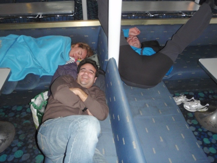 descansando en el barco a Menorca