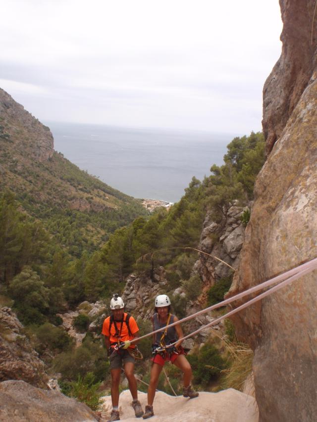Borja y Mª Luisa, al fondo port de Valldemossa