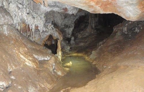 Cueva de Cal Pesso
