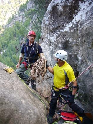 Rafael y Gustavo, instalando el 2º gran salto.