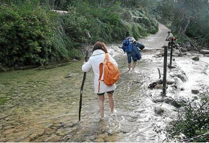 http://ultimahora.es/noticias/part-forana/2015/05/23/152510/exclusion-coanegra-ruta-pedra-sec-indigna-ajuntament-santa-maria.html