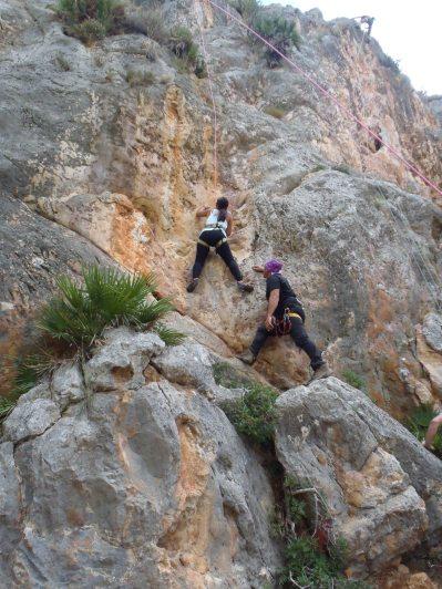 Escalando en Andratx. Foto: Rafael Minguillón BTTersMallorca.